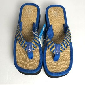 NWT Reef vintage deadstock platform thong sandals